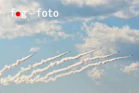 71D_9669 s.jpg